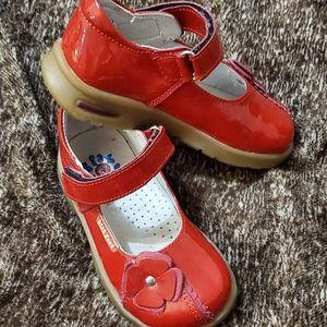 Kids foot girls shoes